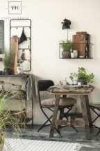 """Vintage """"UNIKA"""" Asztal - 99 cm."""