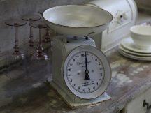 Antik Fehér Francia Mérleg - 25 cm.
