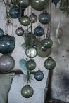 """Vintage Petrol Kék """"Kődarabos"""" Akasztható Gömb - 6,5 cm."""